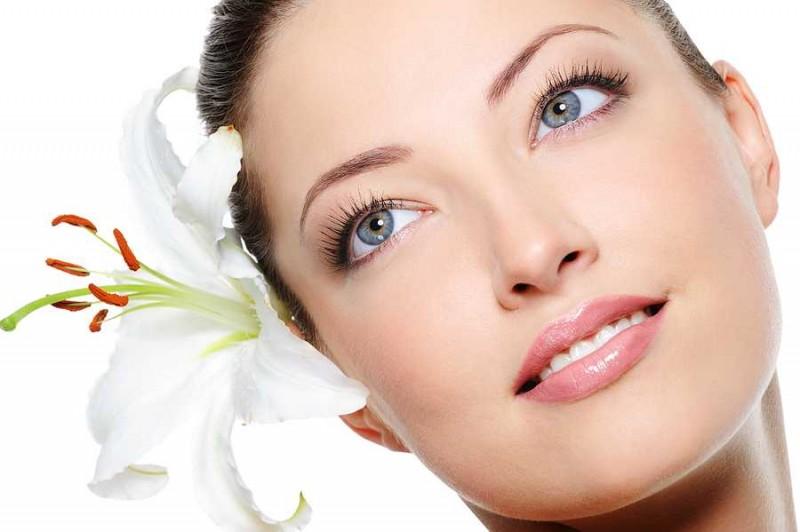 Natural homemade masks cleanse dry skin